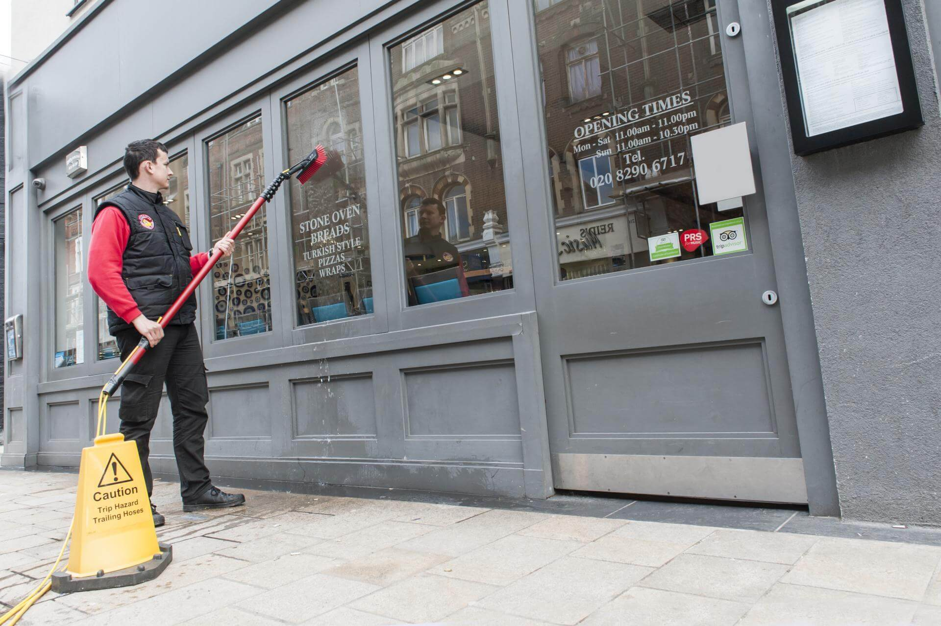 Commercial-Window-Cleaner-London_2